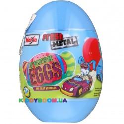 Яйцо-сюрприз с металлической автомоделью Maisto 14049