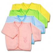Кофточки и распашонки для малышей