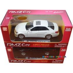 Модель машины 1:32 MERSEDES BENZ E63 AMG Unifortune 564999